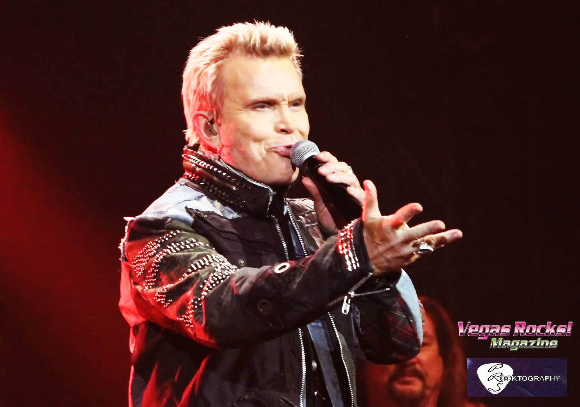 BILLY IDOL ROCKS THE PEARL!